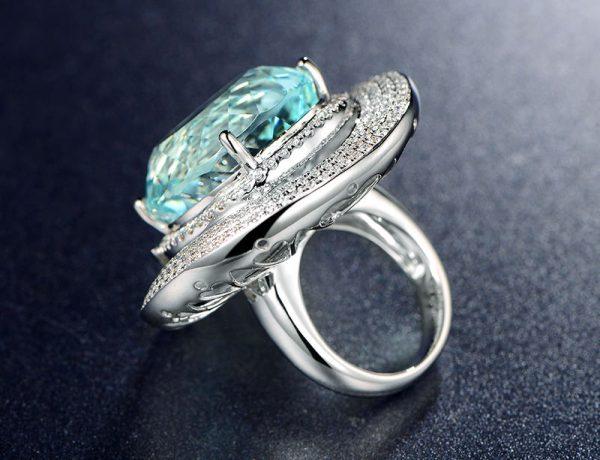 35ct Natural Blue Aquamarine in 18K Gold Ring
