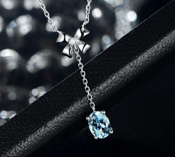 1.5ct Natural Blue Aquamarine in 18K Gold Pendant