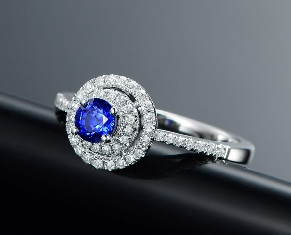 0.51ct Natural Blue Sapphire in 18K Gold Ring