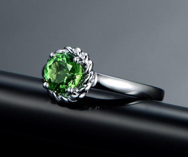 1.15ct Natural Green Tourmaline in 18K Gold Ring