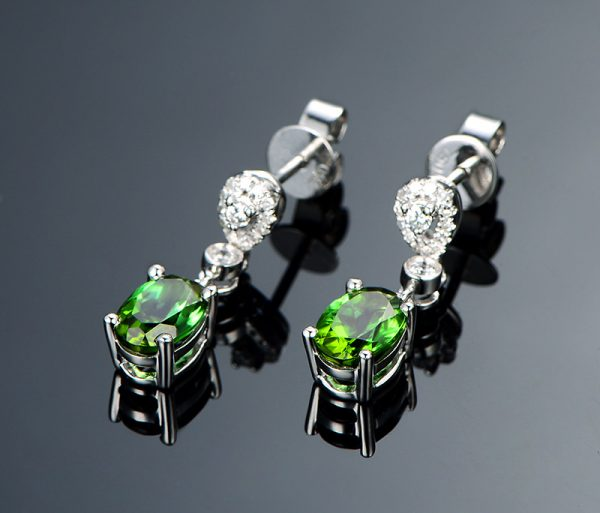 1.85ct Natural Green Tourmaline in 18K Gold Earring