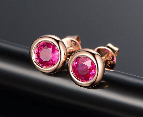 1.02ct Natural Red Ruby in 18K Gold Earring