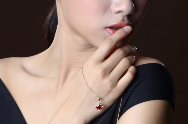 2.35ct Natural Red Garnet in 18K Gold Pendant