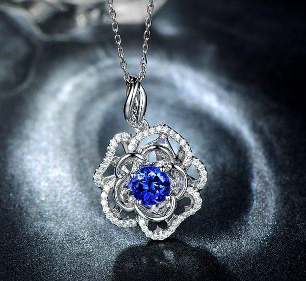1.35ct Natural Blue Tanzanite in 18K Gold Pendant