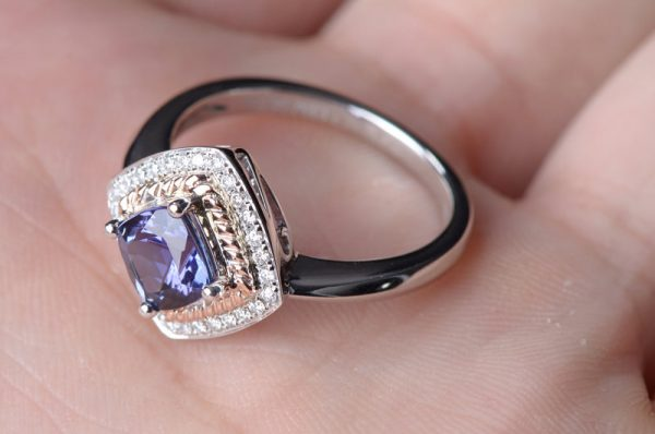1.3ct Natural Blue Tanzanite in 18K Gold Ring
