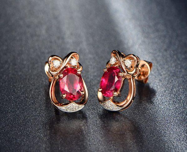 1.8ct Natural Red Tourmaline in 18K Gold Earring