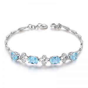 3.05ct Natural Blue Aquamarine in 18K Gold Bracelet