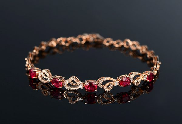 2.15ct Natural Red Ruby in 18K Gold Bracelet