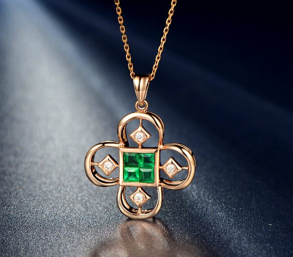 0.6ct Natural Green Emerald in 18K Gold Pendant