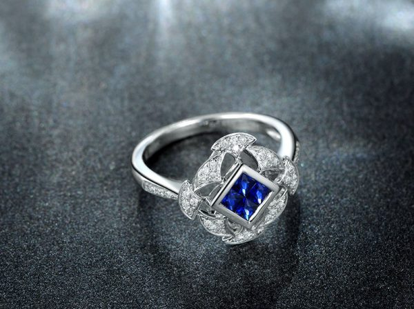 0.48ct Natural Blue Sapphire in 18K Gold Ring