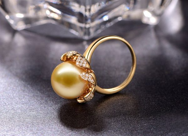 13-13.5 mm Natural Yellow Pearl in 18K Gold Ring