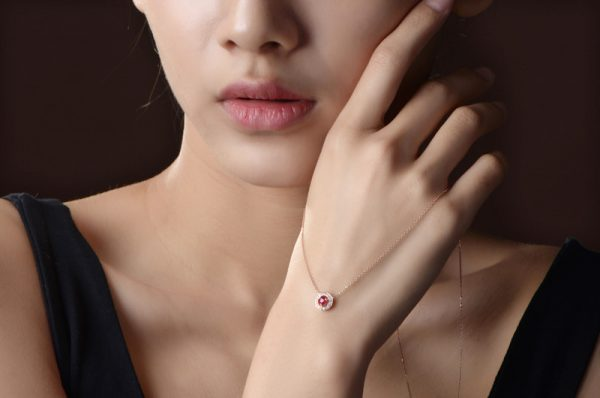 0.35ct Natural Red Ruby in 18K Gold Pendant