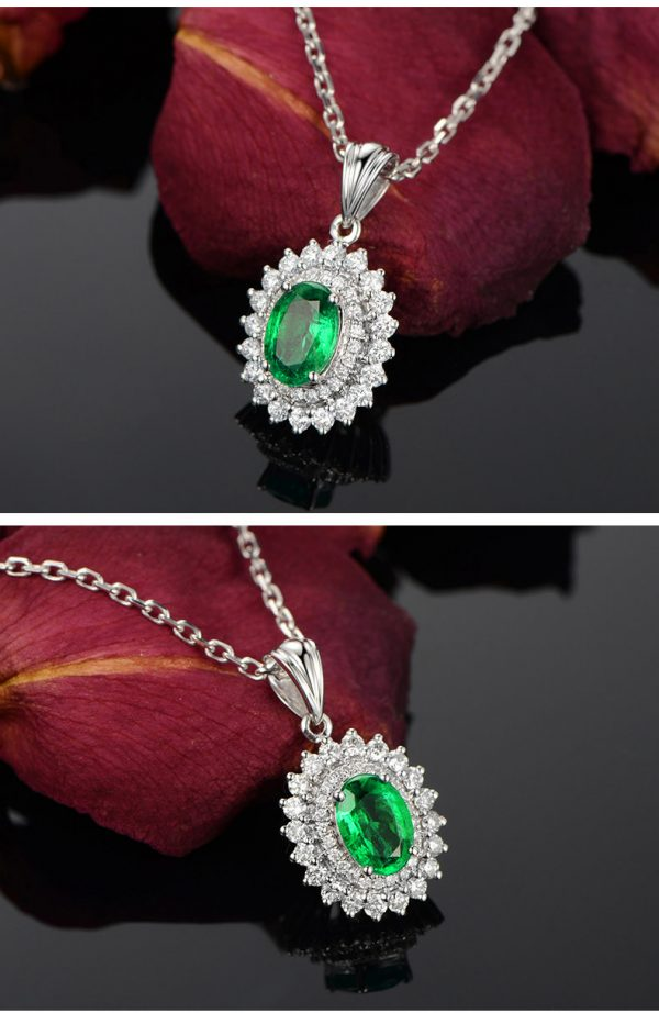 0.8ct Natural Green Emerald in 18K Gold Pendant